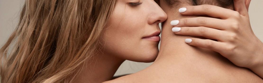 Die Partnerin anlocken – mit aphrodisierendem Parfüm